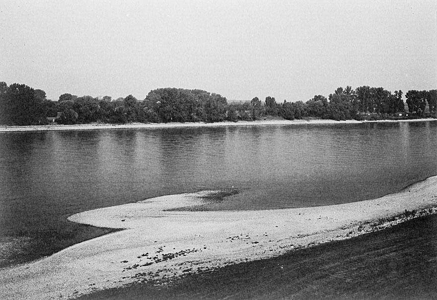 Rheinufer Düsseldorf 3 | 100 x 130cm | Deutschland  2013