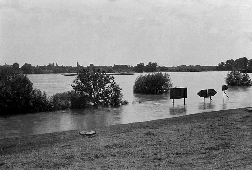 Rheinufer Düsseldorf 4 | 100 x 130cm | Deutschland  2013
